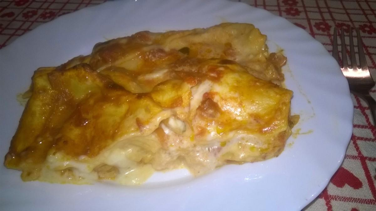 Lasagne cremose con mozzarella e bacon