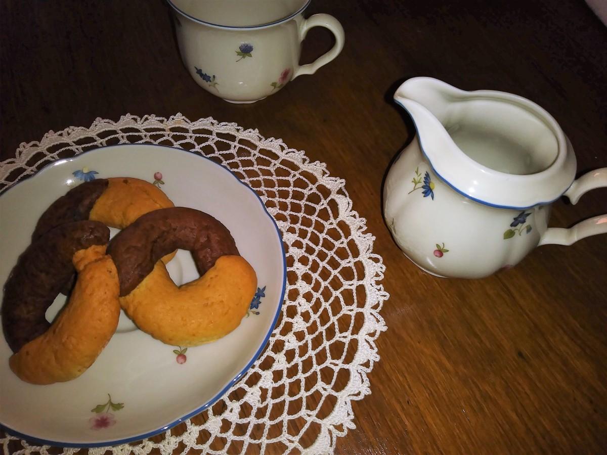 """Biscotti """"Abbracci"""" vaniglia e cacao fatti in casa"""