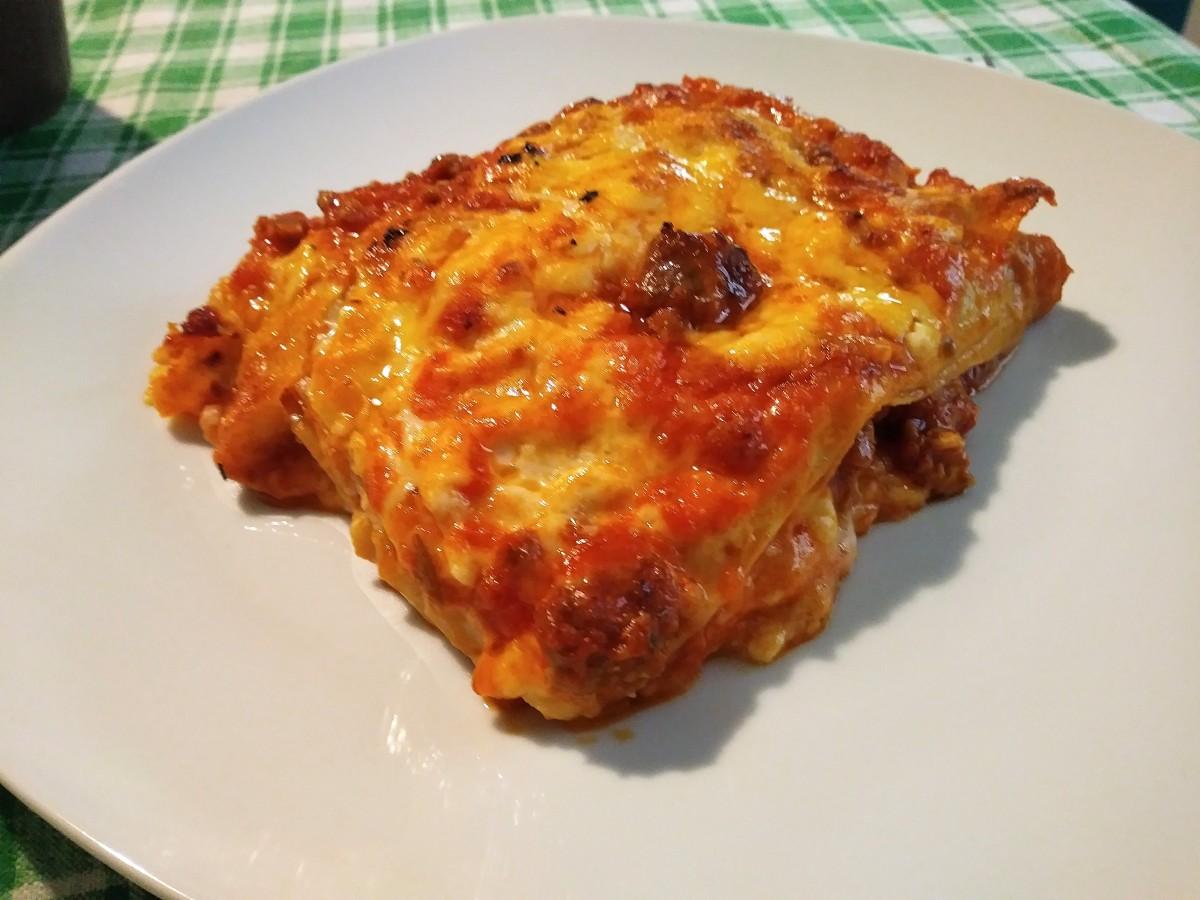 Lasagne al forno con ragù di salsiccia e besciamella